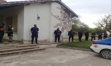 TRASLASIERRA : COMENZÓ LA VACUNACIÓN COVID-19 ,PARA PERSONAL POLICIAL DE LA DEPARTAMENTAL SAN JAVIER.