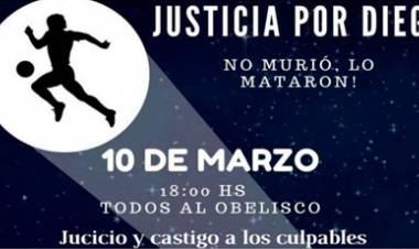 """FANÁTICOS CONVOCAN A UNA MARCHA PARA PEDIR """"JUSTICIA"""" POR MARADONA."""