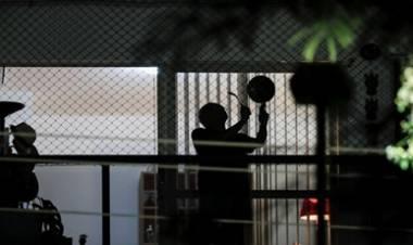 MIRA VÍDEO - MASIVOS CACEROLAZOS EN LA PRINCIPALES CIUDADES DE BRASIL, DURANTE UN MENSAJE TELEVISADO DE JAIR BOLSONARO SOBRE LA PANDEMIA.