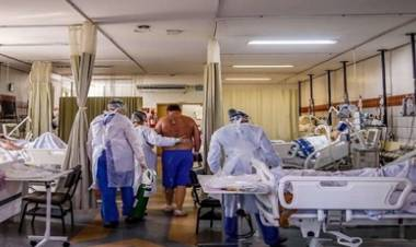 BRASIL : 11 PERSONAS MURIERON ESPERANDO SER ATENDIDOS EN HOSPITALES POR CORONAVIRUS.