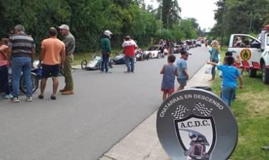 SAN JAVIER, TRASLASIERRA : SE REALIZÓ LA CARRERA DE CHATARRAS EN DESCENSO.
