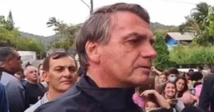 BRASIL : JAIR BOLSONARO NO PUEDO INGRESAR AL ESTADIO DE SANTOS POR NO ESTAR VACUNADO.