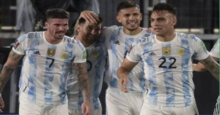 LA SELECCIÓN ARGENTINA BRILLÓ Y GOLEÓ A URUGUAY EN EL MONUMENTAL.